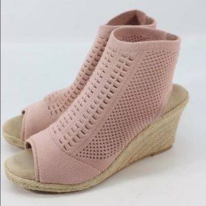Steve Madden Shoes - *CLOSE OUT SALE* NWT Steve Madden wedges